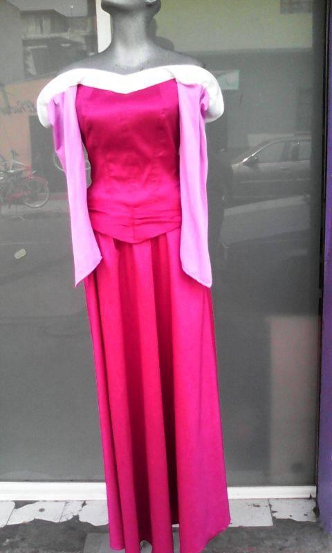 http://www.boutiqueandromeda.net/fotosdisfraces/disney/14aurora2.jpg